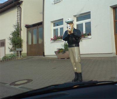 Radarfalle Laser Polizist